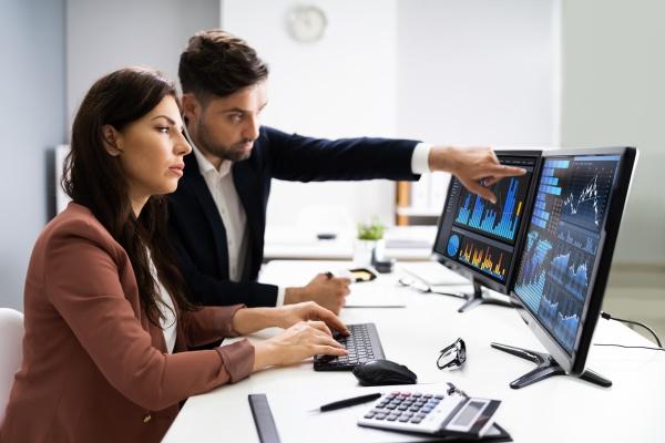 doradca finansowy i analityk biznesowy praca