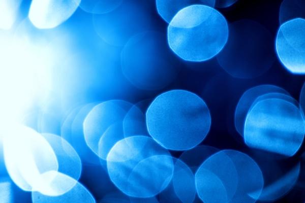 niebieskie babelki w swietle tylnym