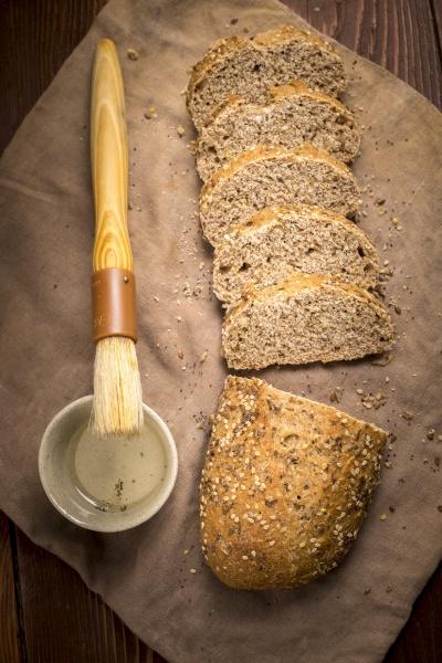 chleb, wieloziarnisty, z, oliwą, z, oliwek - 30781084