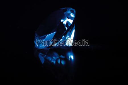 niebieski swiecenie swiatla jasny olsniewajacy jaskrawy