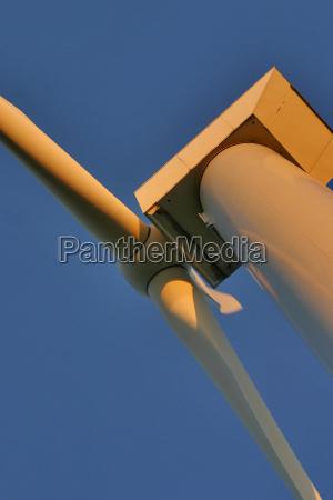 niebieski wieczor energia elektrycznosc prad abendlicht