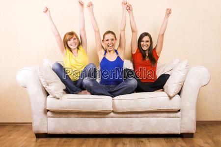 trzy kobiety kiedy doping na kanapie