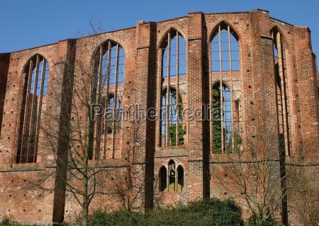 hansestadt ruiny mecklenburgvorpommern stralsund backsteingebaeude schillstrasse