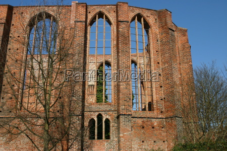 hansestadt ruiny stralsund johanniskloster backsteingebaeude schillstrasse