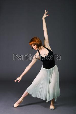kobieta womane baba zenski akcja tancerze