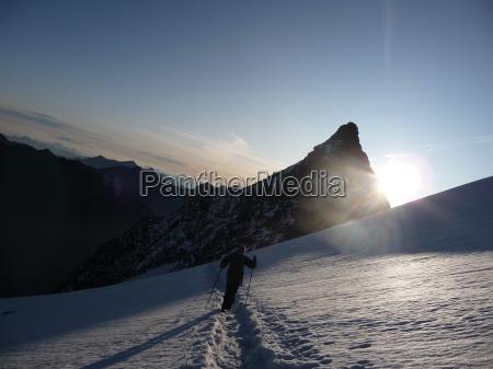 lodowiec poranek hochtour gorskie wycieczki snieg
