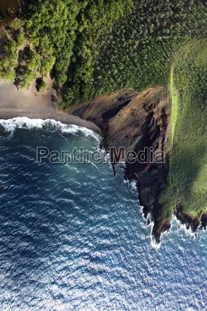 cliff na brzegu