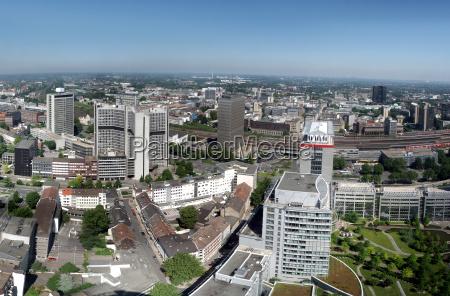 panorama miasta essen w zaglebiu ruhry