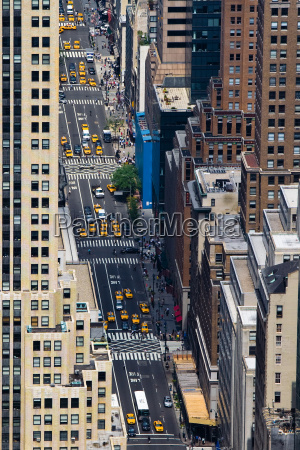 5th avenue in manhattan new york
