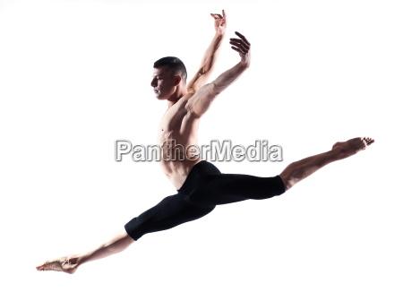 czlowiek portret gimnastyczny skok