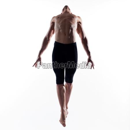 portret czlowieka gimnastyka skok