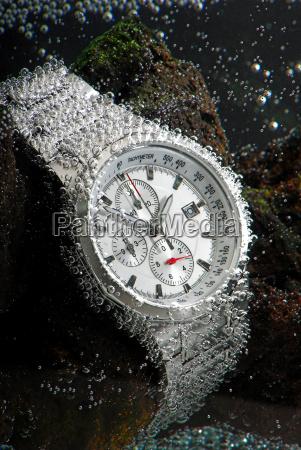 wodoodporny zegarek chronograf underwather