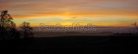 zachod slonca mgla abendrot wieczorne kolory