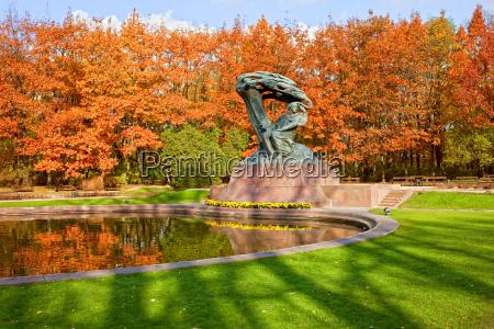 pomnik park polska warszawa