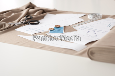 designerskie studio mody z profesjonalnym wyposazeniem