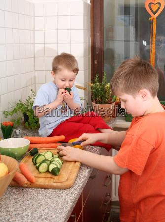 owoc owoce owocowe brat warzywo chlopcy