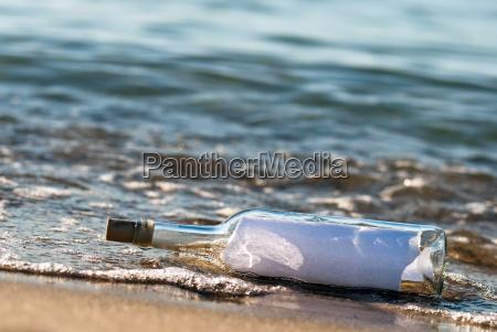 poczta butelki z wiadomoscia w surf
