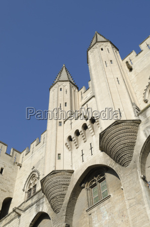palace of popes in avignon