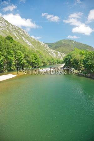 hiszpania potok strumyk suesswasser jezioro inland