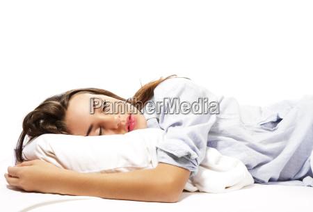 spiaca kobieta piekne w pizamie