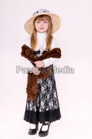 spodnica kapelusz ogromny waz boa dziecko