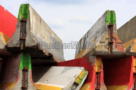 kolorowe kolektora beton kolor francja absperrung