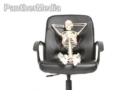 szkielet zrelaksowany