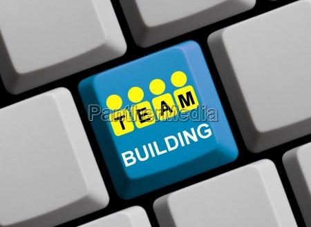 budowanie zespolu online