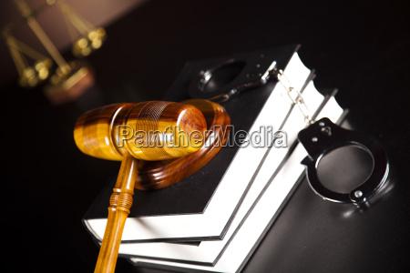 kajdanki mlotek prawna