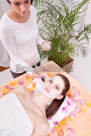 kobieta womane baba twarz buzia pielegnacja