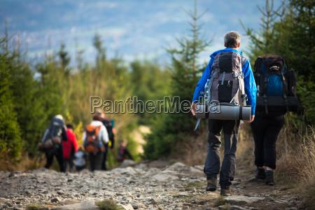 chodzenie zwiedzanie styl zycia aktywnych na