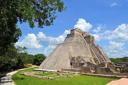 anicent piramidy majow uxmal na jukatanie