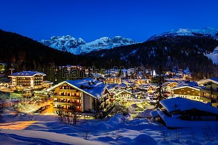 osrodek narciarski illuminated madonna di campiglio