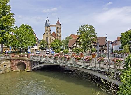 historyczny pomost blumenschmuck ozdoby kwiatowe kanal