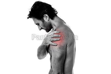 mezczyzna w srednim wieku posiadajacy bol