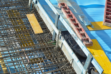 construction with steel re bar