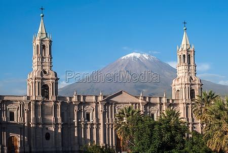 wulkan el misti wychodzi na miasto