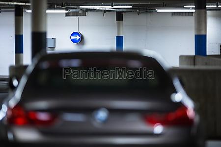 podziemny parkinggaraz