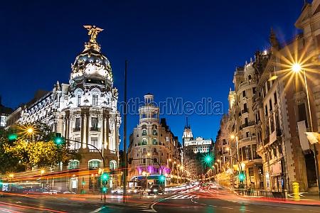 gran via w madrycie hiszpania europa