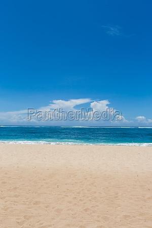 piekny lonely piaszczysta plaza na karaibach