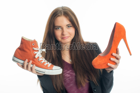 trampki lub buty na obcasie