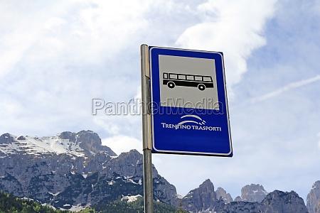 przystanek autobusowy w gorach