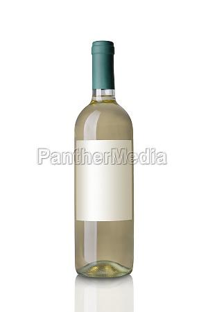 biala butelka wina izolowana na bialym