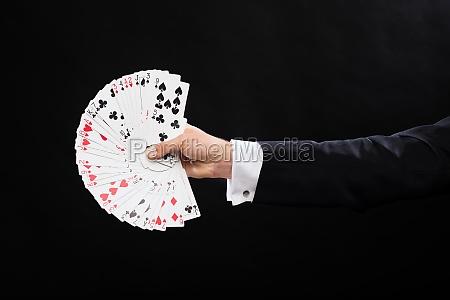 bliska mag hand posiadania karty do