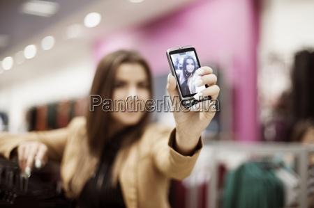 kobieta przy autoportret zdjecie w centrum