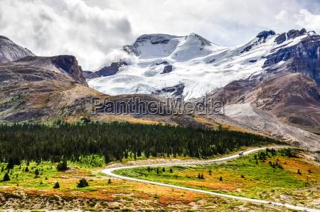 krajobraz widoku columbia lodowiec w jasper