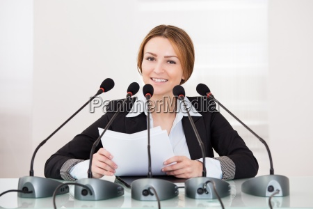 businesswoman w konferencji