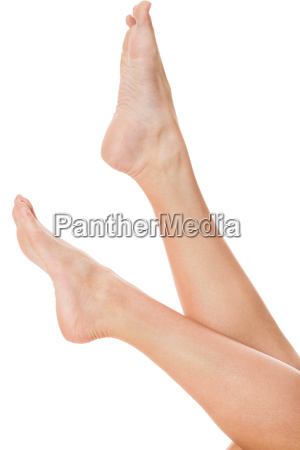 woman with neatly manicured natural nails