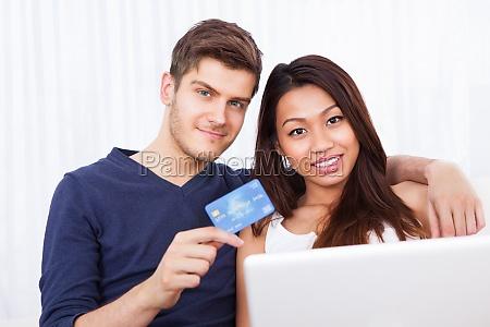 portret para zakupy online w domu