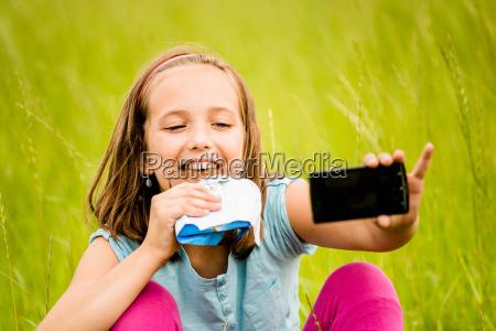 selfie dziecko z czekolada